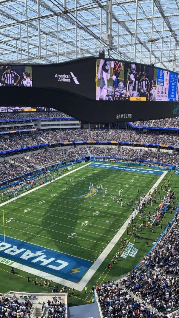 SoFi Stadium, section: 433, row: 1, seat: 11