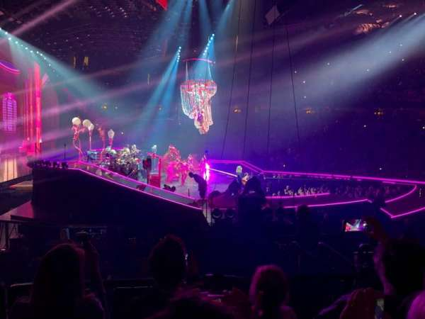 John Paul Jones Arena, section: 115, row: Q, seat: 5