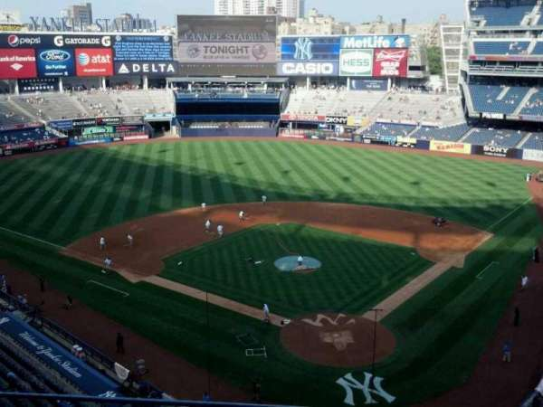 Yankee Stadium, section: 320c, row: 3, seat: 11