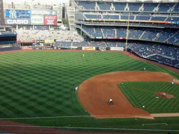 Yankee Stadium, section: 326, row: 6, seat: 20