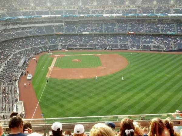 Yankee Stadium, section: 406, row: 6, seat: 5