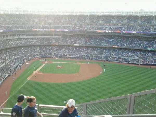 Yankee Stadium, section: 405, row: 7, seat: 2