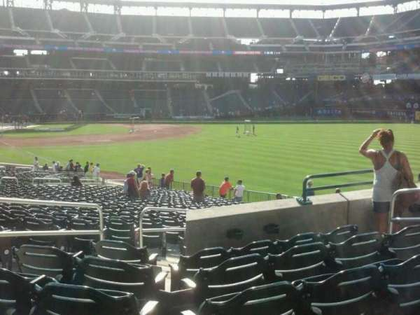 Citi Field, section: 105, row: 31, seat: 6