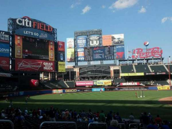Citi Field, section: 125, row: 21, seat: 15