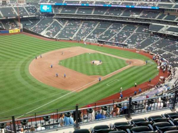 Citi Field, section: 525, row: 6, seat: 18