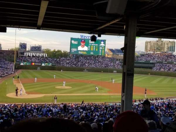 Wrigley Field, section: 221, row: 17, seat: 14