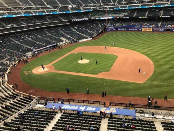 Citi Field, section: 407, row: 1, seat: 20