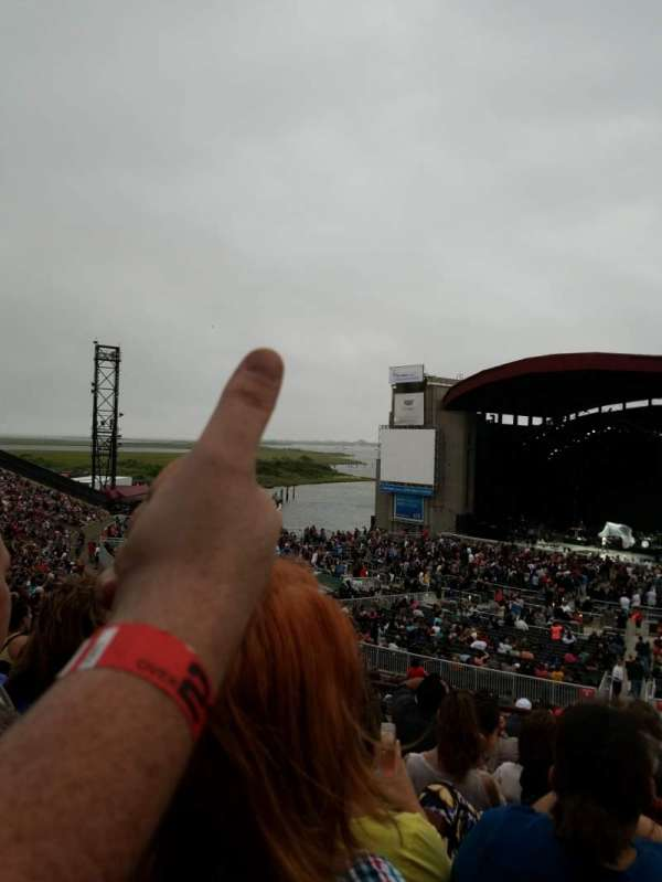 Jones Beach Theater, section: 6L, row: EE, seat: 1