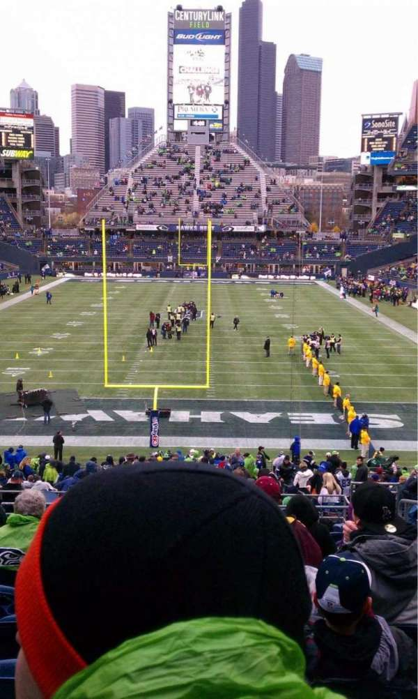 CenturyLink Field, section: 122, row: K, seat: 5