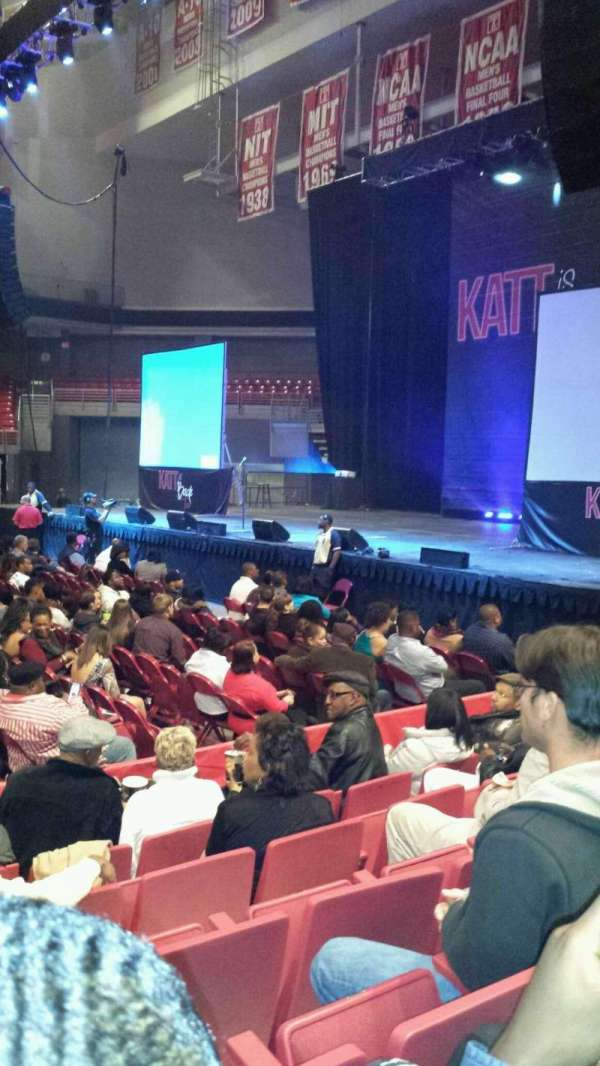 Liacouras Center, section: 102, row: G, seat: 14