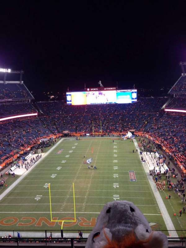 Broncos Stadium at Mile High, section: 520, row: 6, seat: 3