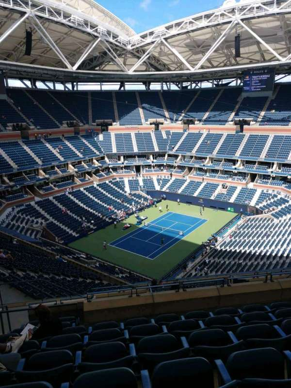 Arthur Ashe Stadium, section: 305, row: K, seat: 15