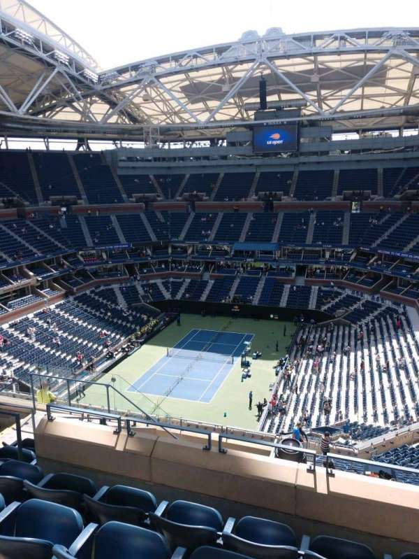 Arthur Ashe Stadium, section: 323, row: H, seat: 10