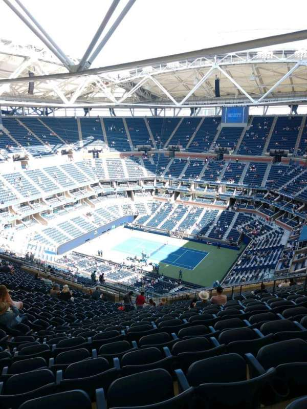 Arthur Ashe Stadium, section: 334, row: Y, seat: 10