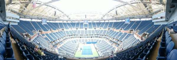 Arthur Ashe Stadium, section: 301, row: M, seat: 7