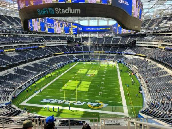 SoFi Stadium, section: 337, row: 7, seat: 1