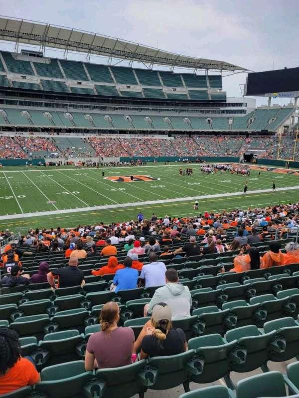 Paul Brown Stadium, section: 142, row: 32w, seat: 14
