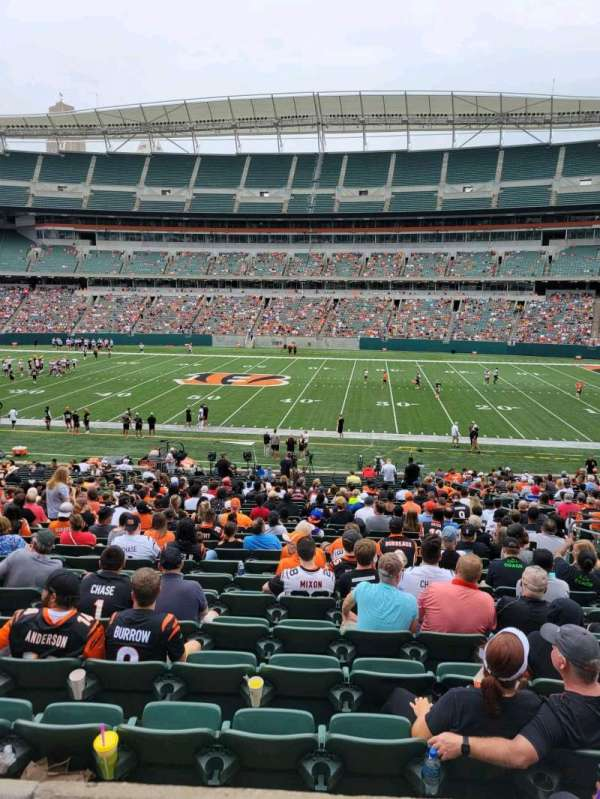 Paul Brown Stadium, section: 109, row: 32w, seat: 8