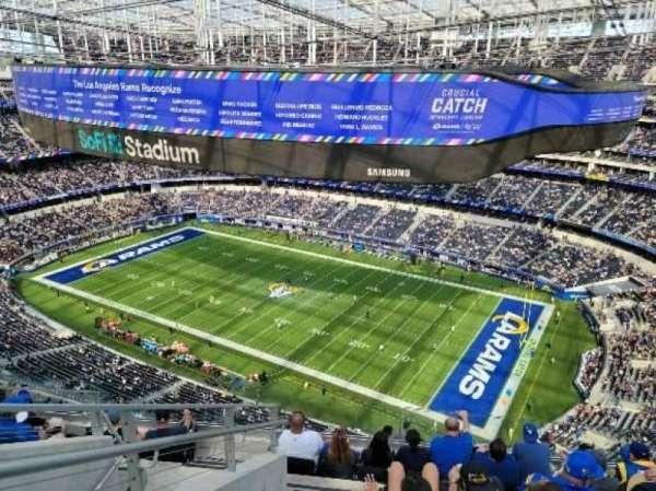 SoFi Stadium, section: 520, row: 8, seat: 22