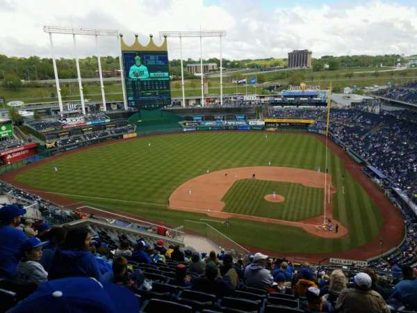Kauffman Stadium, section: 413, row: NN, seat: 22