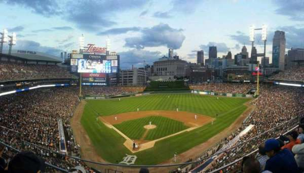 Comerica Park, section: 326, row: D, seat: 10