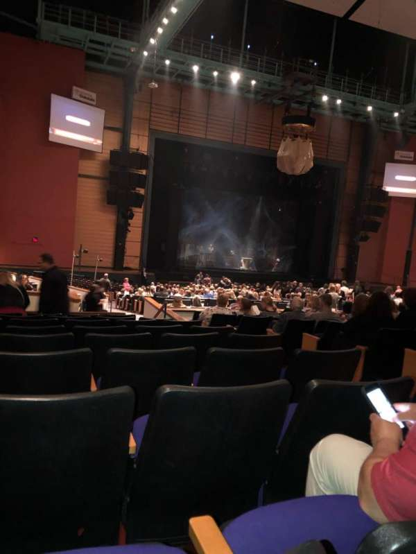 Toyota Oakdale Theatre, section: 207, row: NN, seat: 7