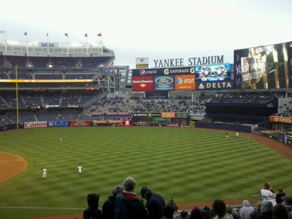 Yankee Stadium, section: 212, row: 13, seat: 13