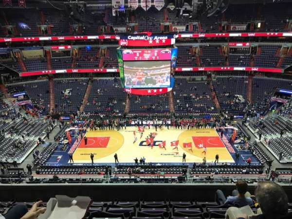 Capital One Arena, section: 427, row: F, seat: 13