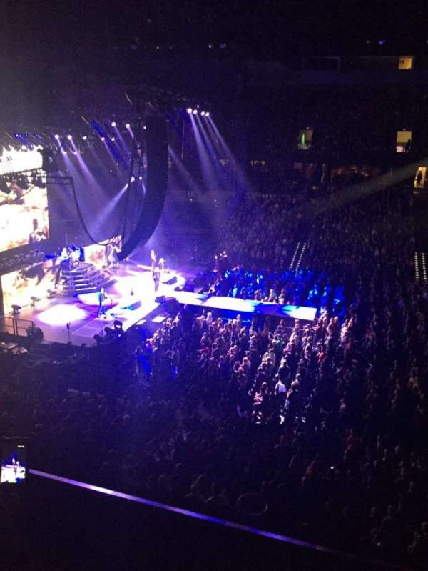 Spokane Arena, section: 215, row: B, seat: 5