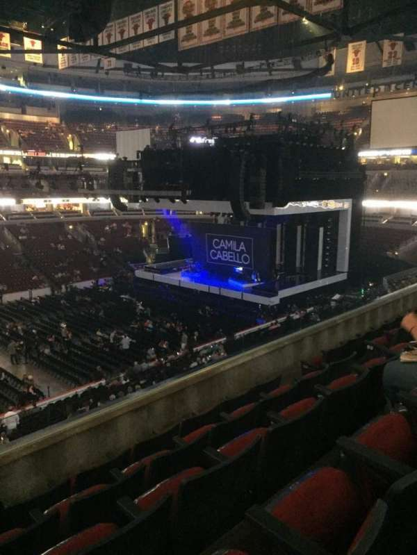 United Center, section: 202, row: 5, seat: 8