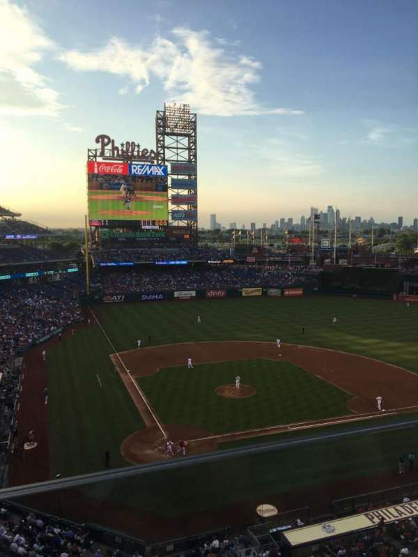 Citizens Bank Park, section: 318, row: 1, seat: 6