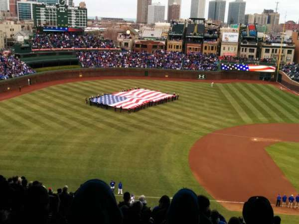 Wrigley Field, section: 409L, row: 4, seat: 17