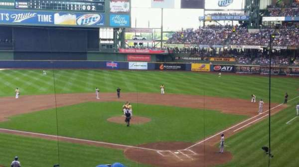 Miller Park, section: 220, row: 7, seat: 6