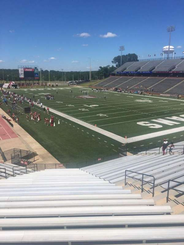 Veterans Memorial Stadium, section: 122, row: 15, seat: 25