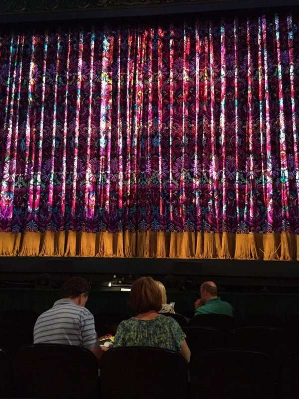 Lunt-Fontanne theatre, section: Orchestra C, row: F, seat: 110