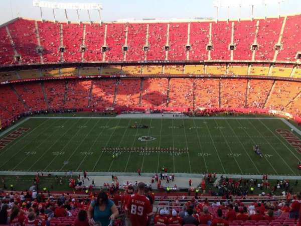 Arrowhead Stadium, section: 323, row: 31, seat: 24