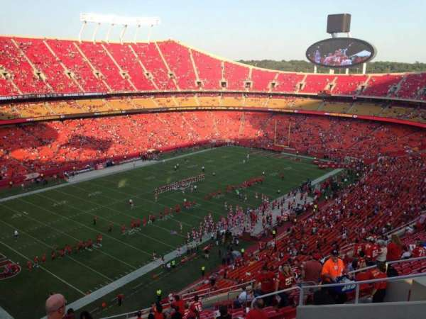 Arrowhead Stadium, section: 329, row: 20, seat: 13