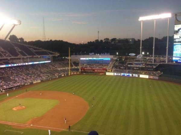 Kauffman Stadium, section: 433, row: P, seat: 2