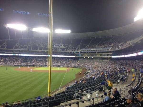 Kauffman Stadium, section: 206, row: HH, seat: 11