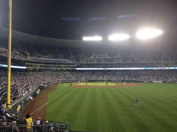 Kauffman Stadium, section: 250, row: AA, seat: 14