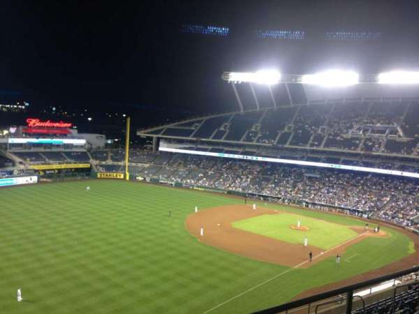 Kauffman Stadium, section: 402, row: GG, seat: 8