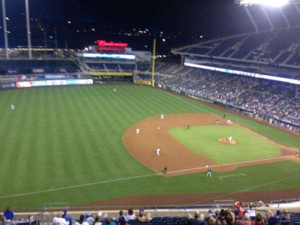 Kauffman Stadium, section: 407, row: E, seat: 8