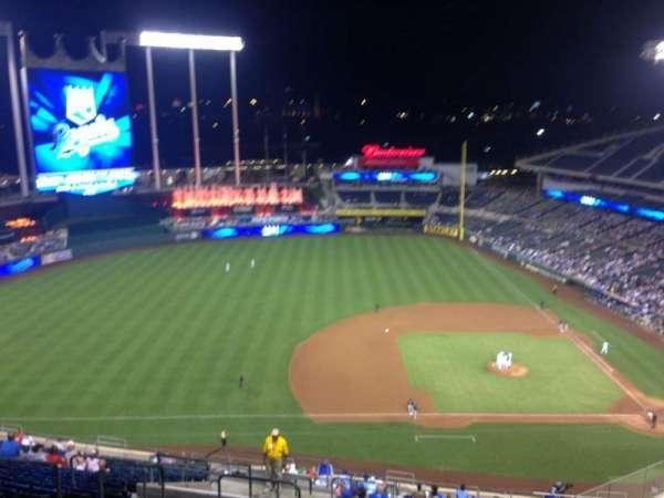 Kauffman Stadium, section: 411, row: LL, seat: 10