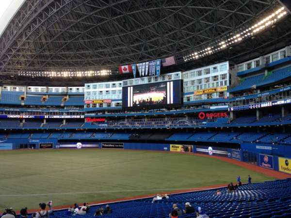 Rogers Centre, section: 113AL, row: 32, seat: 101