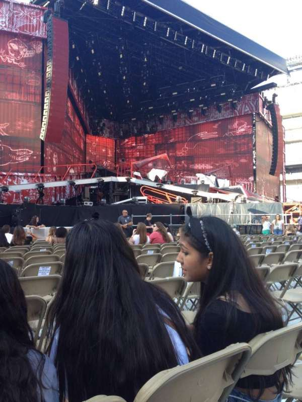 MetLife Stadium, section: Floor 5, row: 12, seat: 20