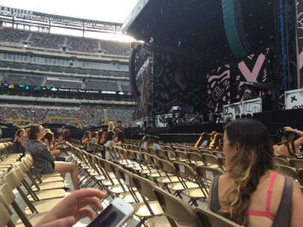 MetLife Stadium, section: 2, row: 8, seat: 7