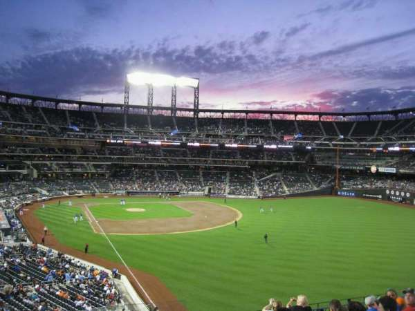 Citi Field, section: 305, row: 7, seat: 17