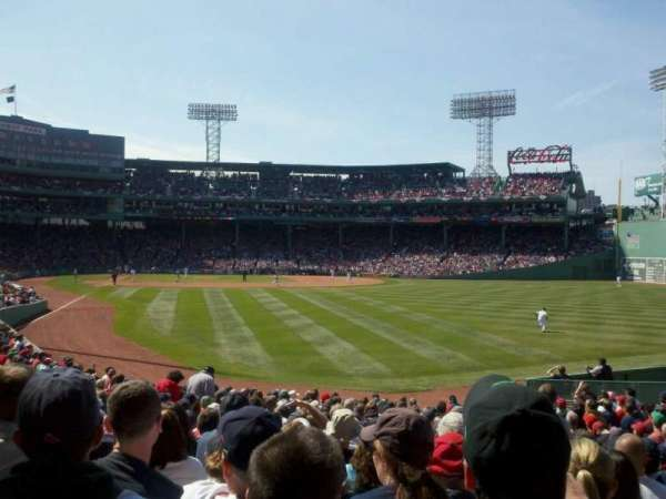Fenway Park, section: Right Field Box 89, row: QQ, seat: 9