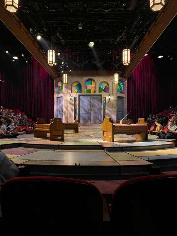 Circle in the Square Theatre, section: Orchestra 300, row: BB, seat: 306