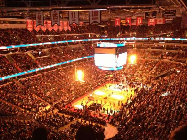 Capital One Arena, section: 427, row: j, seat: 13